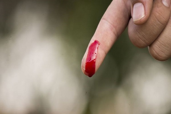 mơ thấy mình bị đứt tay chảy máu